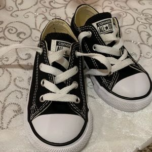 Converse Size 7 Toddler Shoes